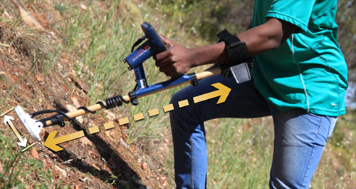 The Gold Monster 1000 is adjustable and suitable for all types of difficult terrain.